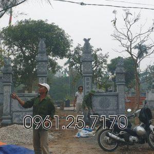 Dựng cổng đá vào khu nghĩa trang
