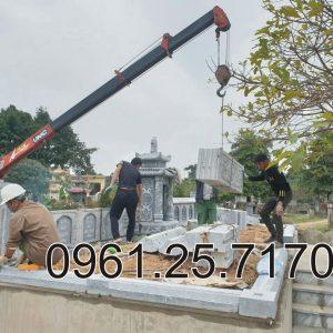 Dựng tường rào bằng đá cho khu mộ