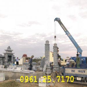 Lắp dựng khu lăng mộ họ Trần.
