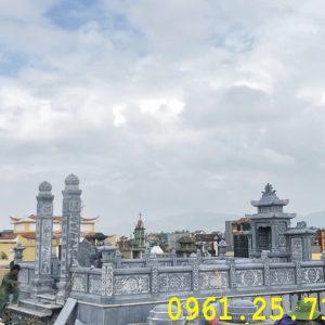 Quần thể lăng mộ gia đình họ Nguyễn